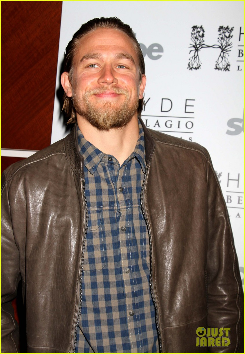 charlie hunnam sons of anarchy party at the bellagio 022755841