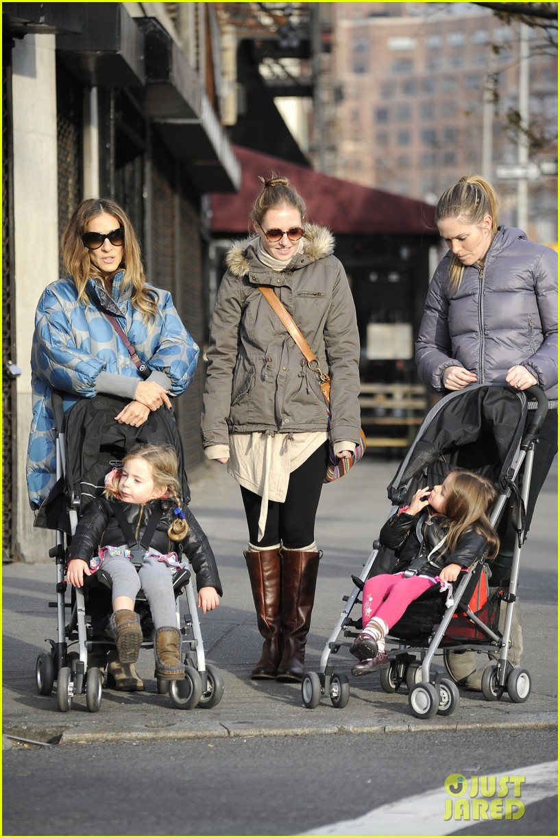 sarah jessica parker shrugs off fashion icon status 022763251