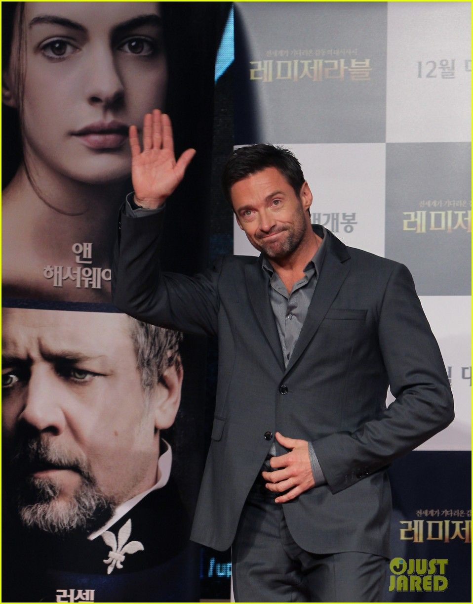hugh jackman les miserables south korea premiere 03