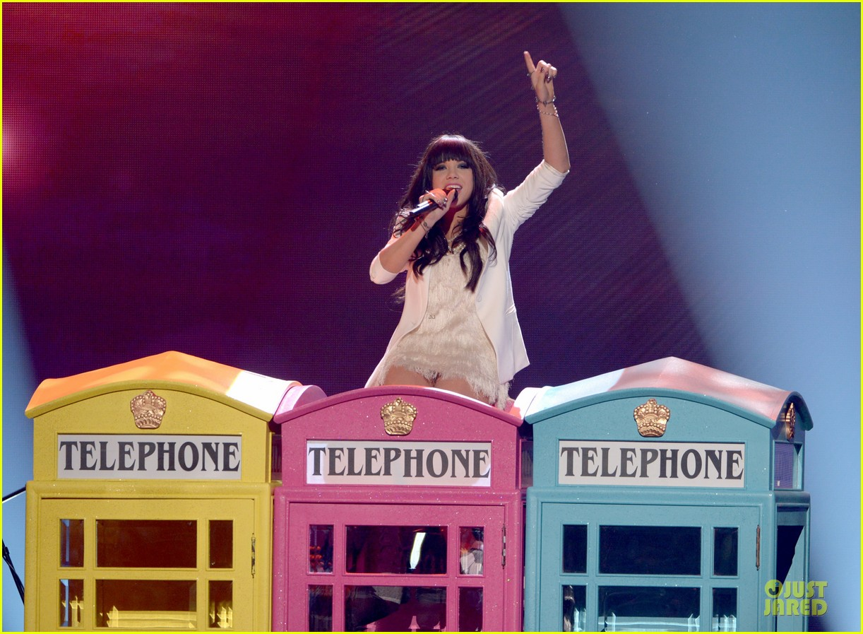 carly rae jepsen this kiss call me maybe amas performance 032760318