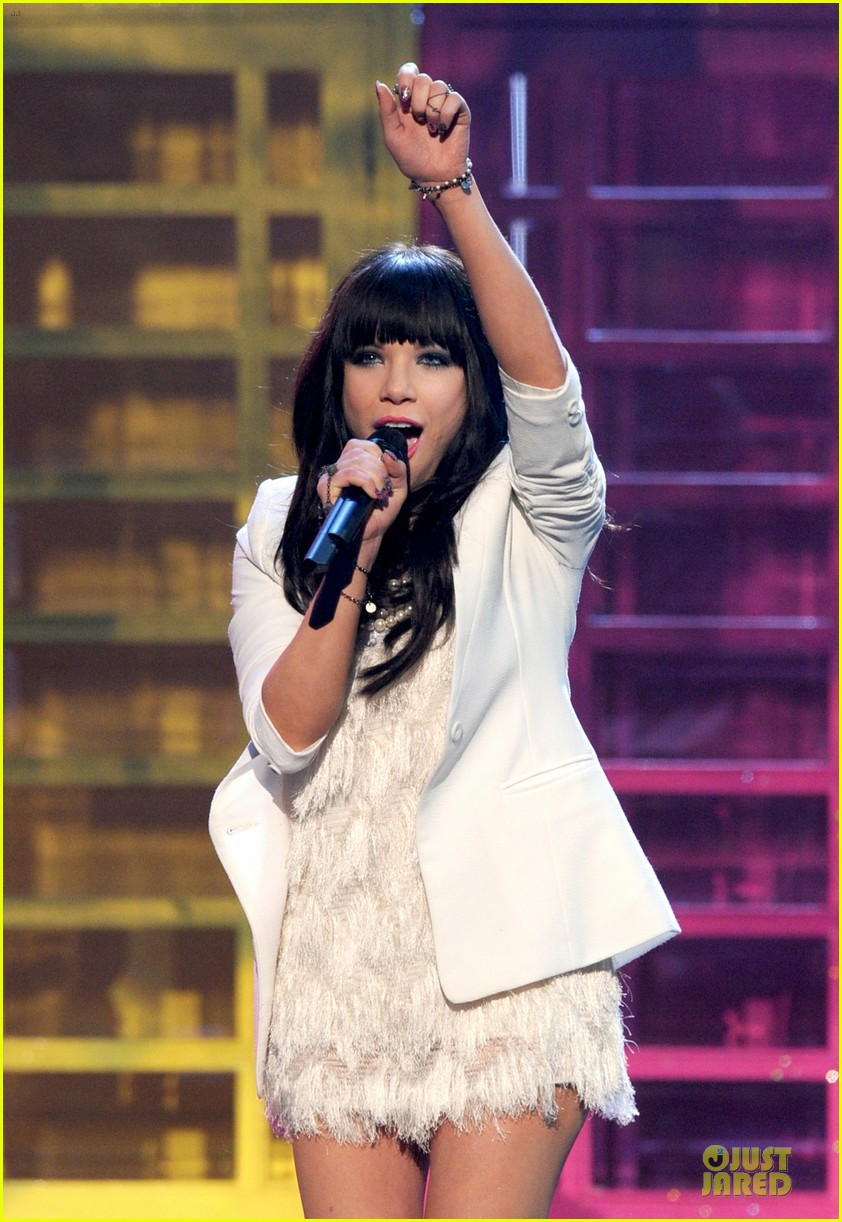 carly rae jepsen this kiss call me maybe amas performance 062760321