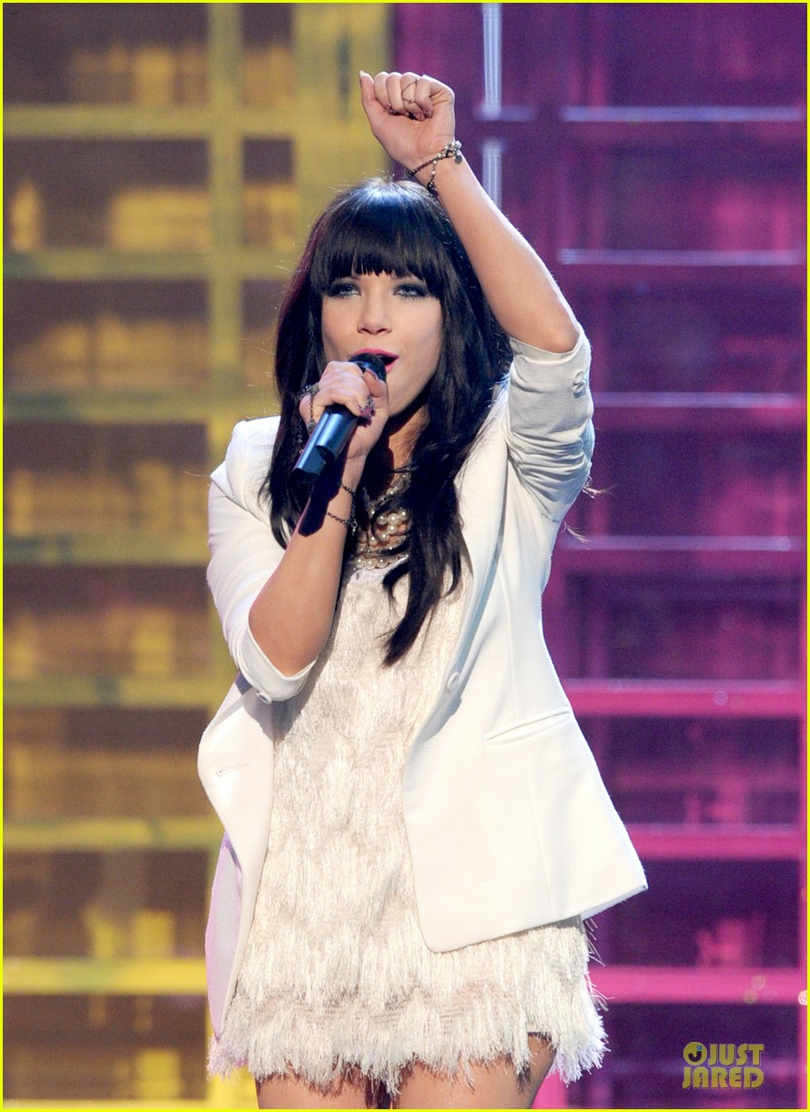 carly rae jepsen this kiss call me maybe amas performance 07