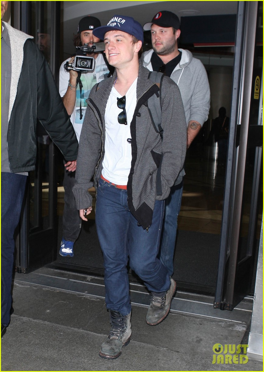josh hutcherson back in la 092760882