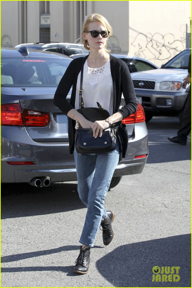 january jones cecconis lunch with friends 202750883