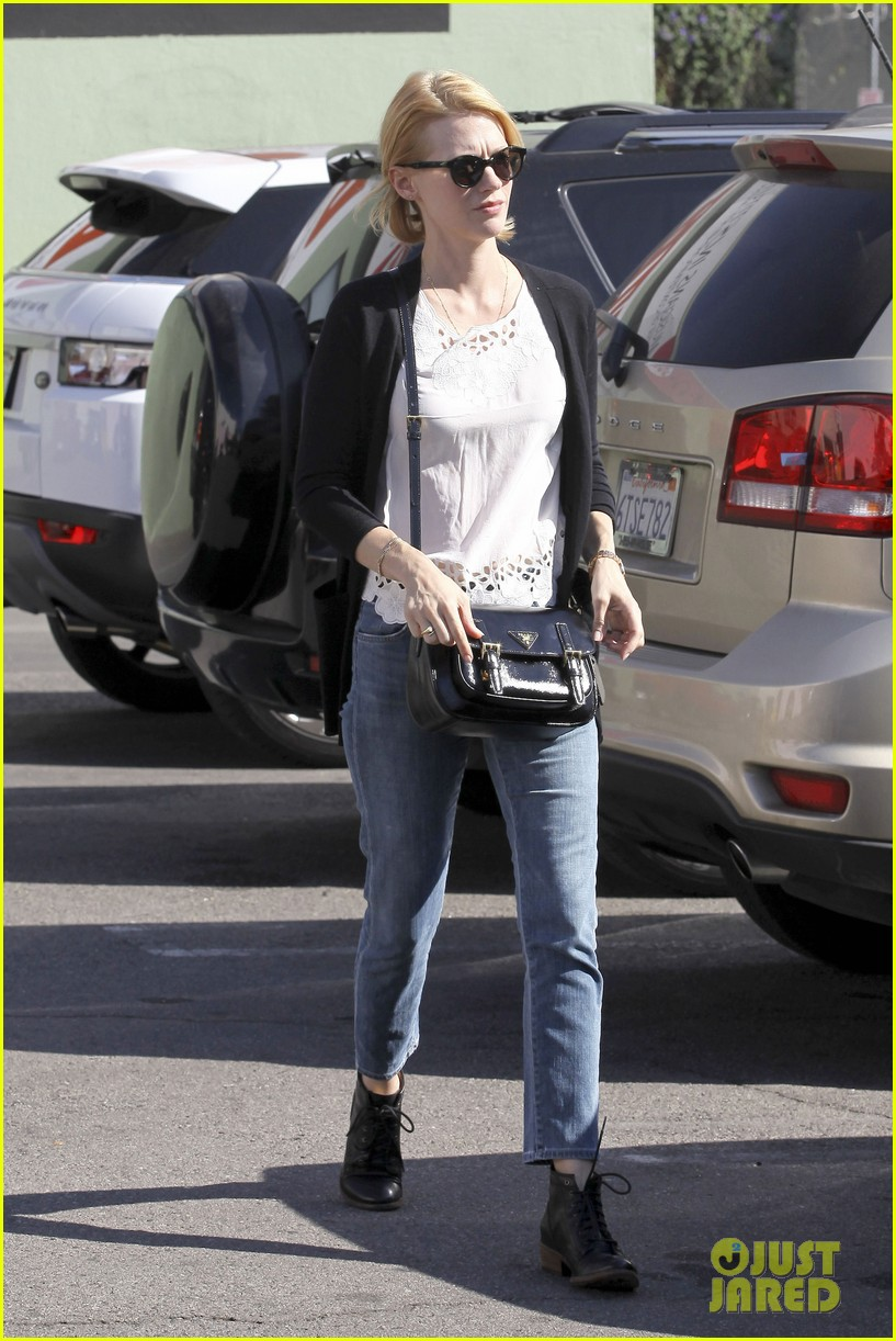 january jones cecconis lunch with friends 26