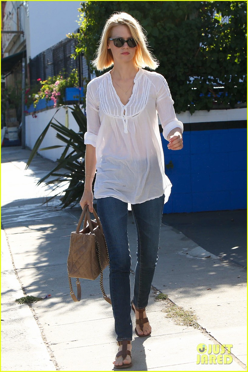 january jones election day voter 142751940