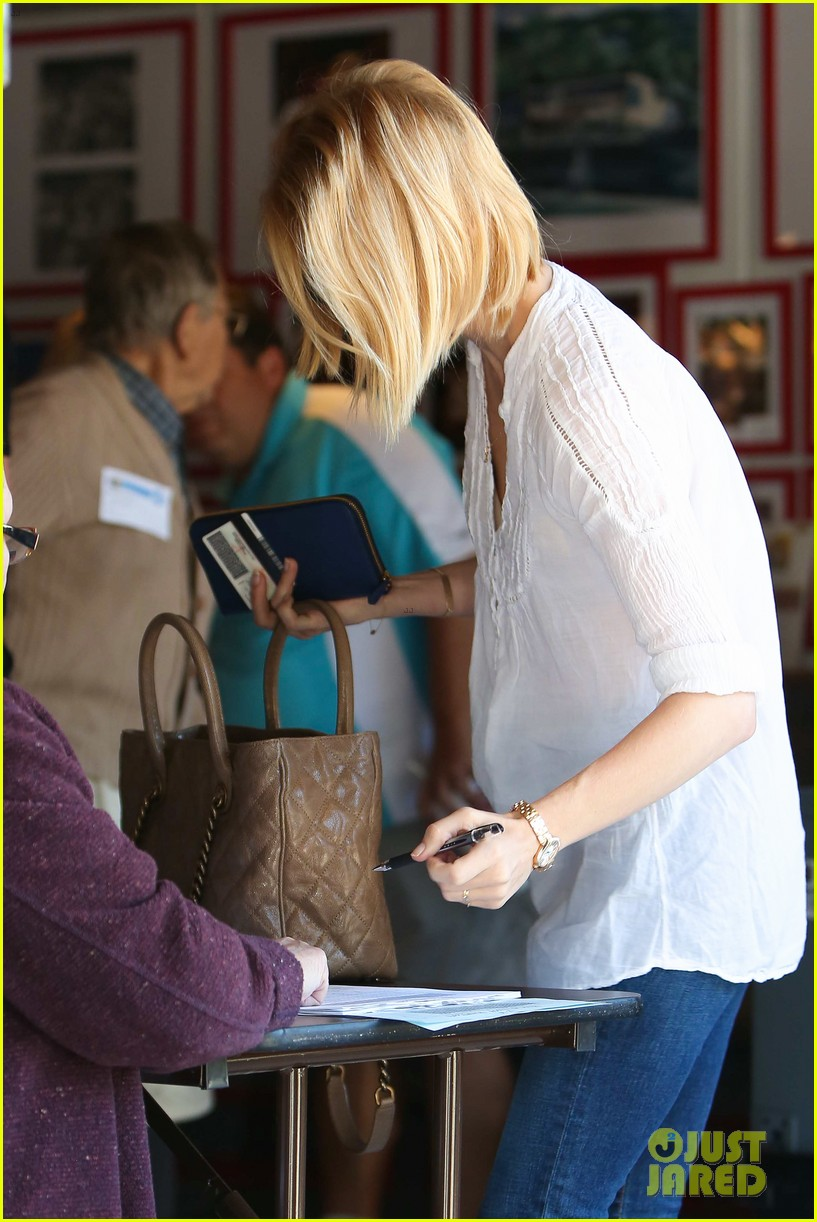 january jones election day voter 252751951