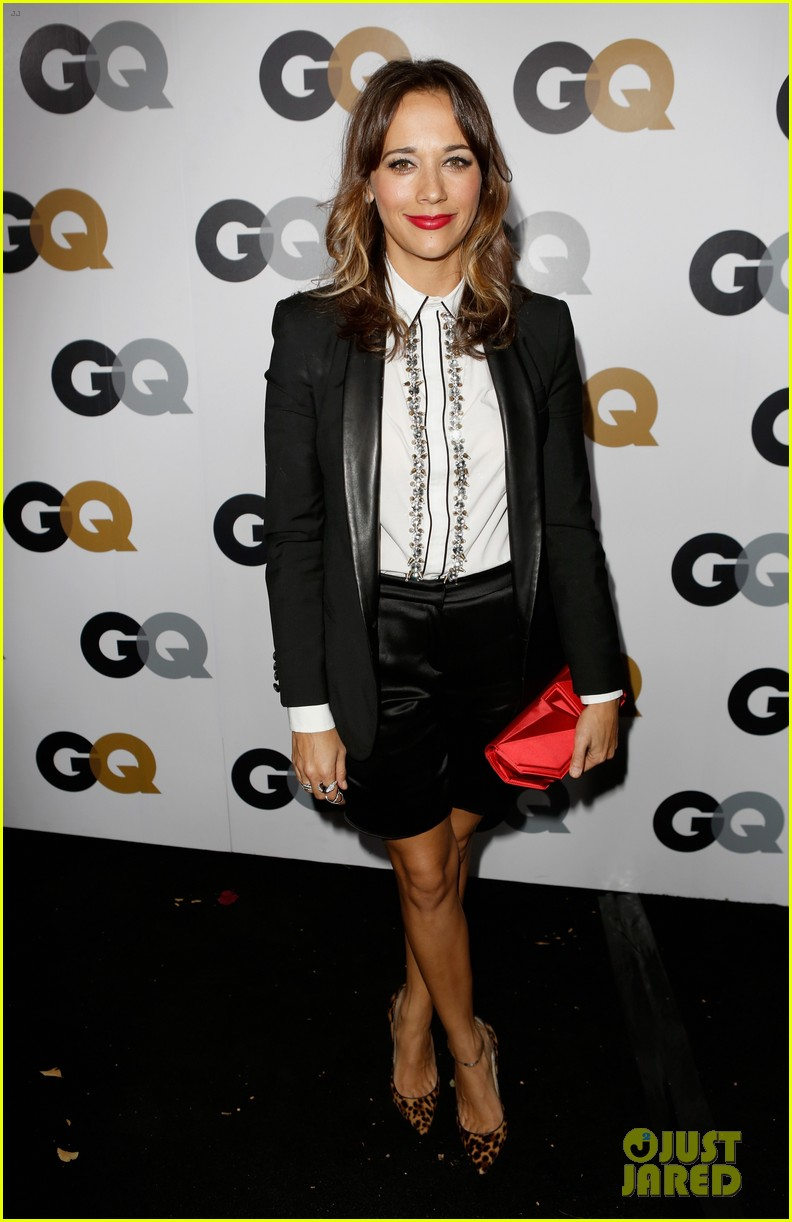 rashida jones dakota johnson 2012 gq men of the year party 012757403