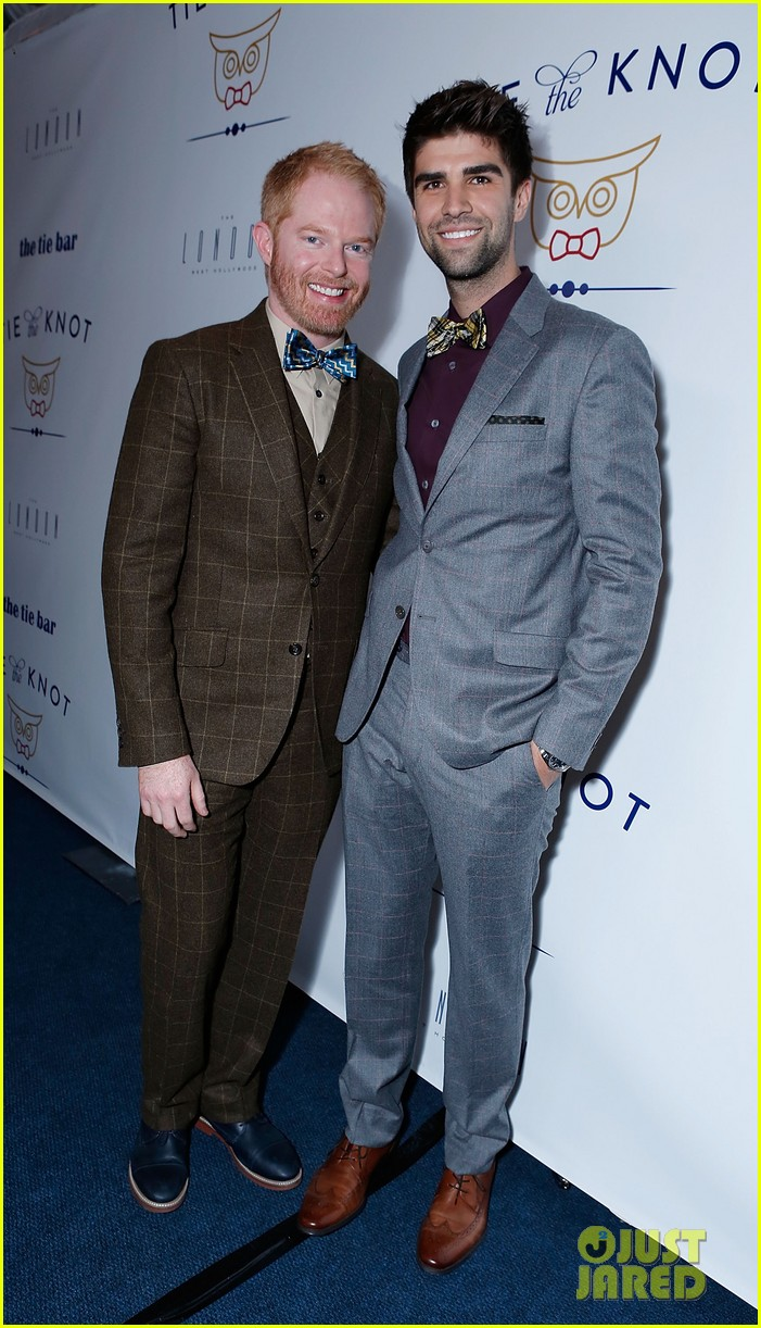 jesse tyler ferguson fiance justin mikita launch tie the knot charity 032758150