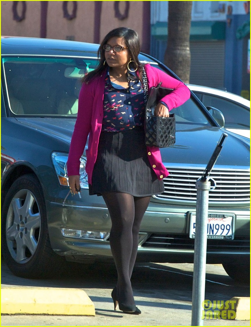 mindy kaling mindy project undergoes casting shakeup 012762461