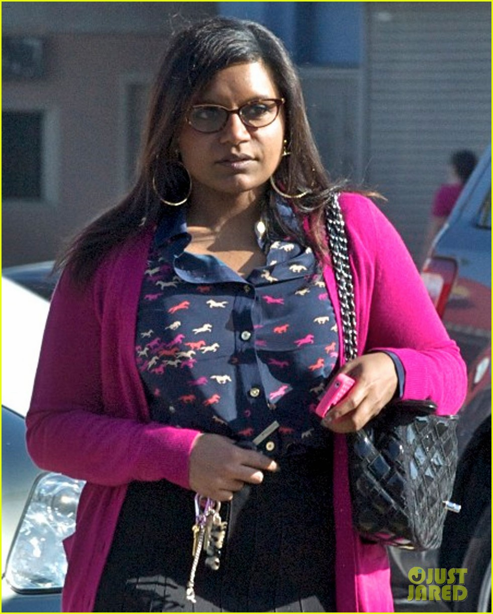 mindy kaling mindy project undergoes casting shakeup 02