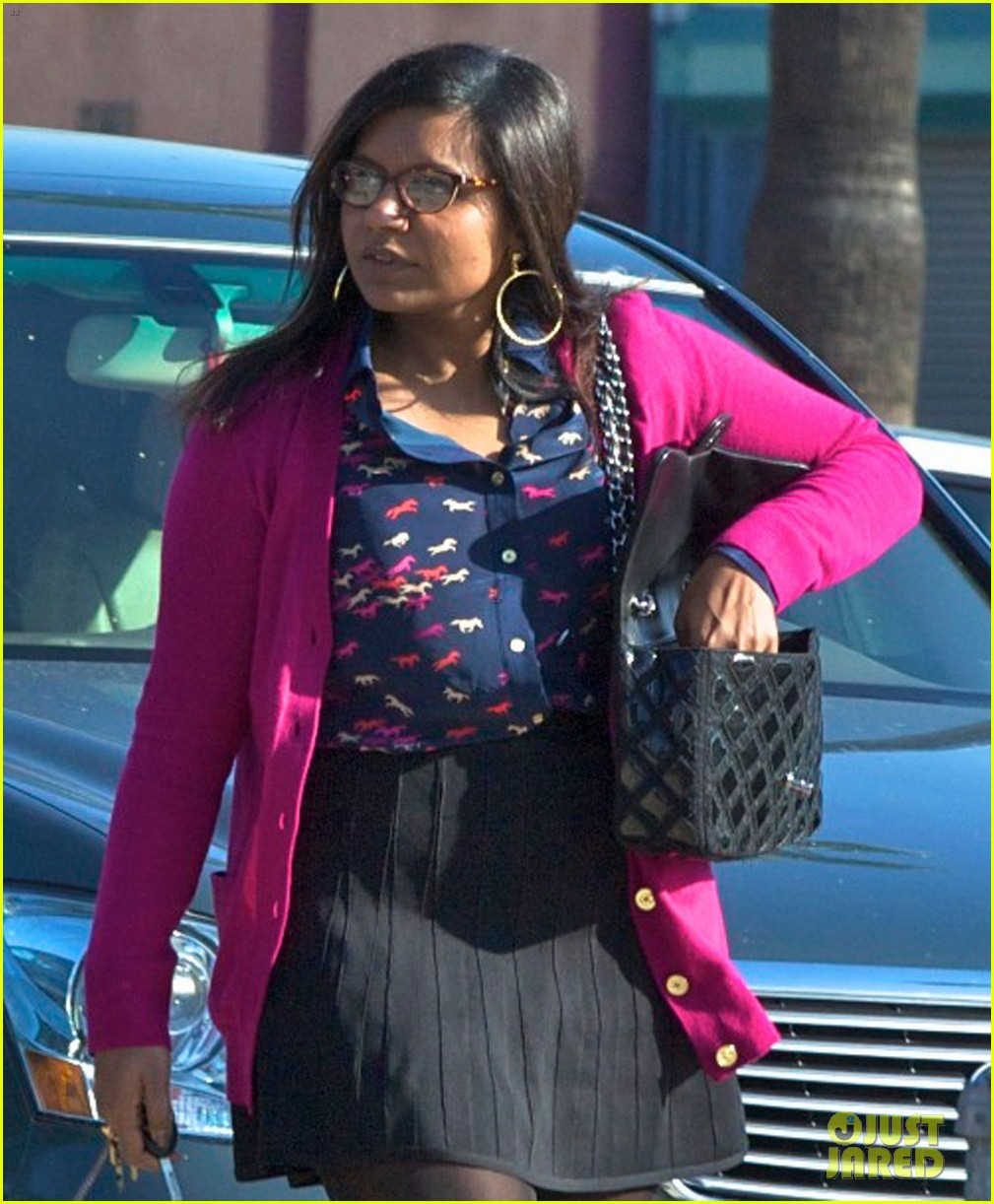 mindy kaling mindy project undergoes casting shakeup 042762464