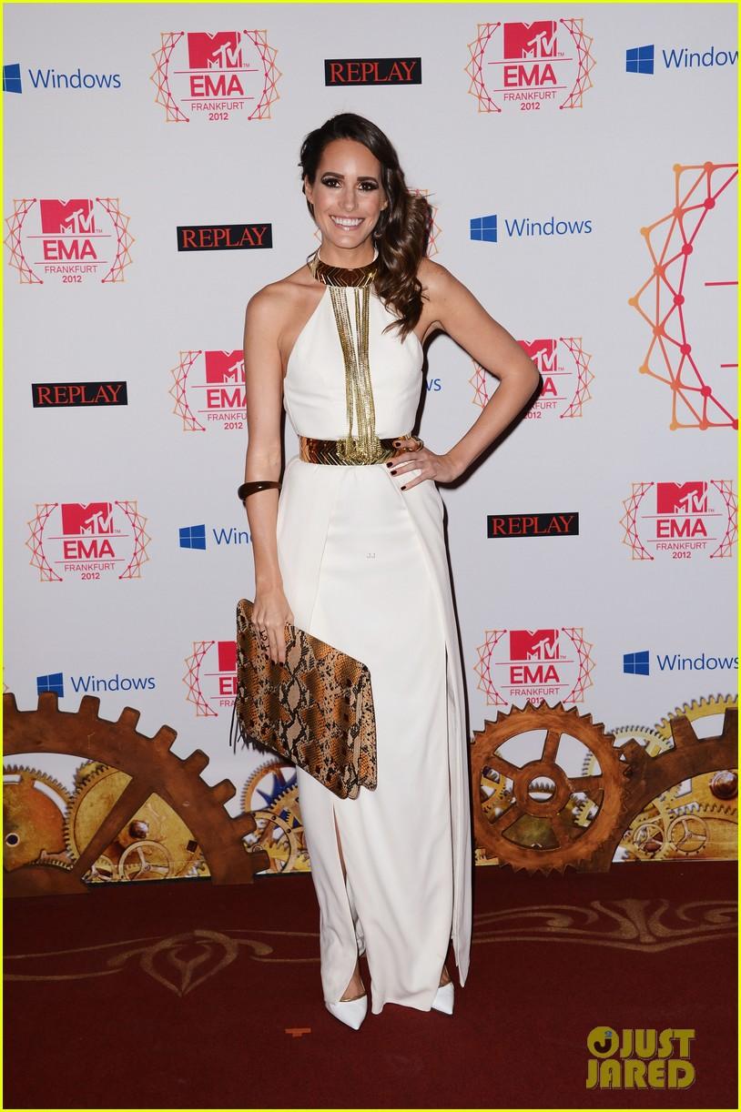 kim kardashian anne v mtv emas 2012 red carpet 032755335