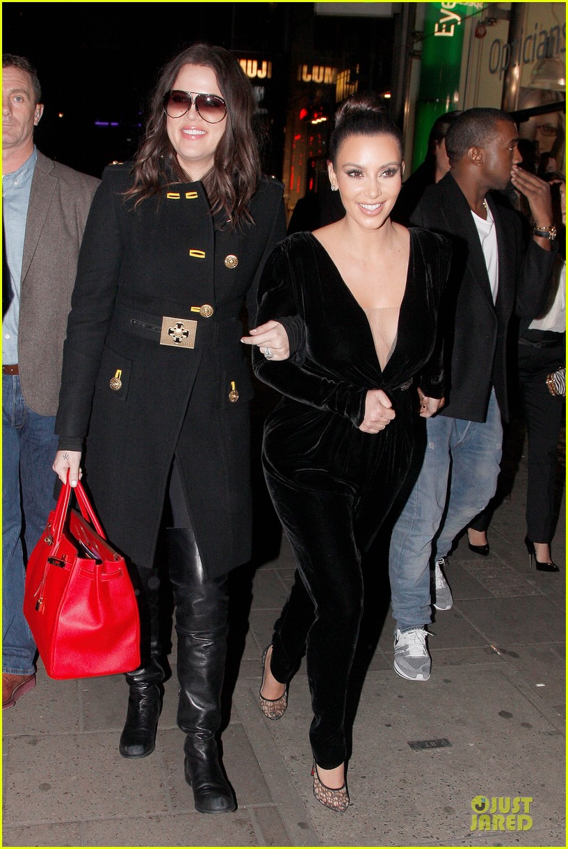 kim kardashian kanye west dinner date with sisters 21