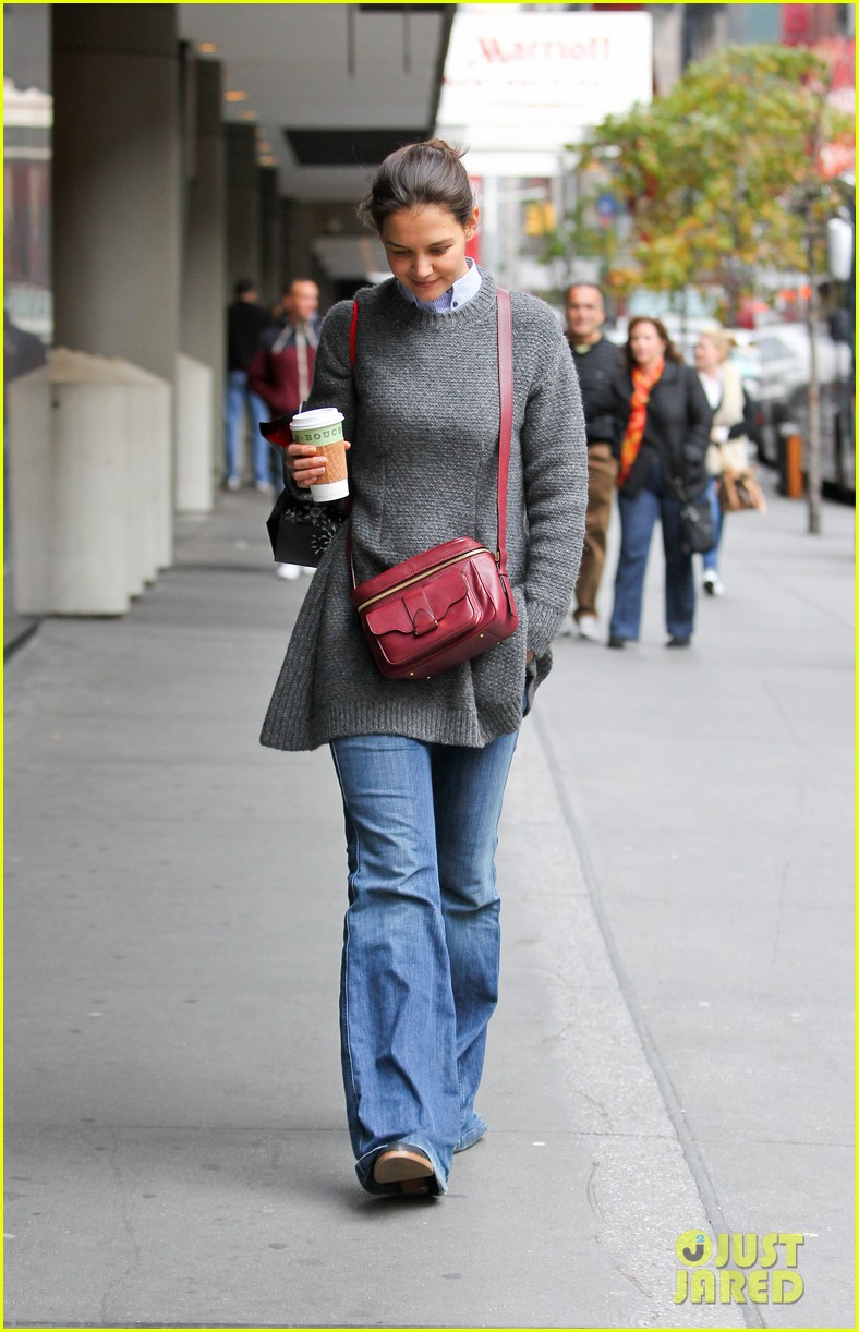 katie holmes really thrilled for dead accounts 062749488