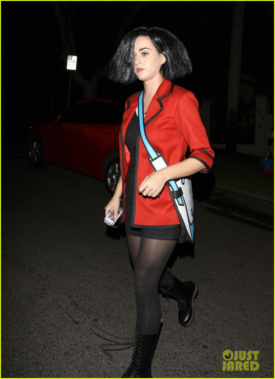 katy perry emma roberts hollywood forever cemetary halloween party 012749396