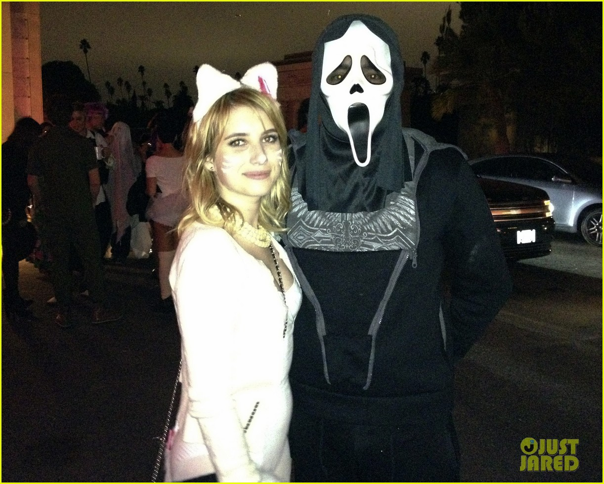 katy perry emma roberts hollywood forever cemetary halloween party 03