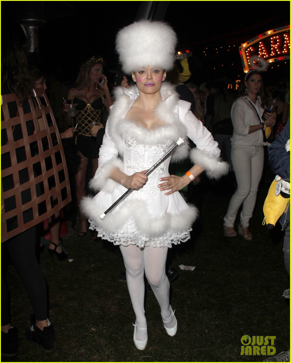 katy perry emma roberts hollywood forever cemetary halloween party 07