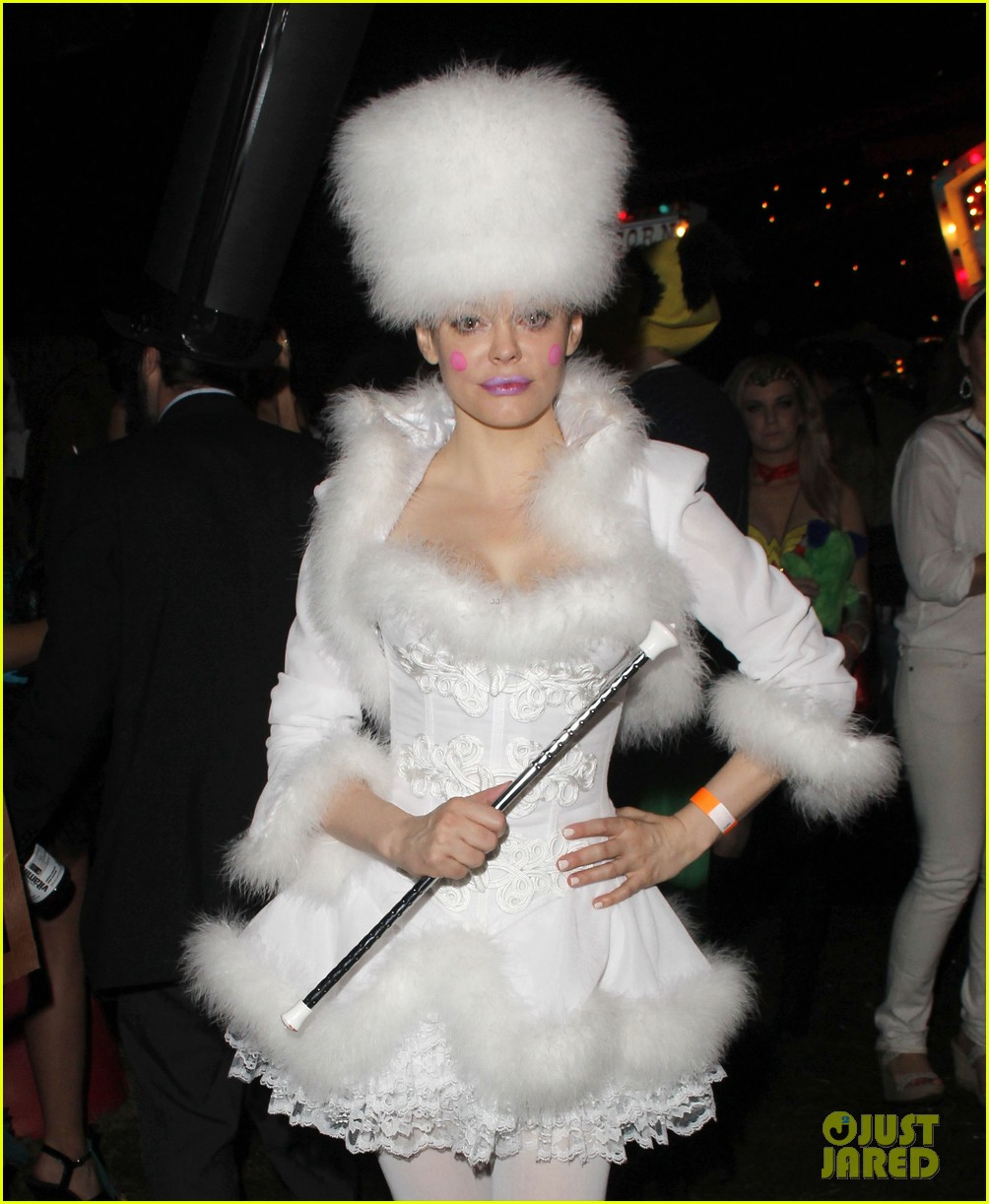 katy perry emma roberts hollywood forever cemetary halloween party 082749403