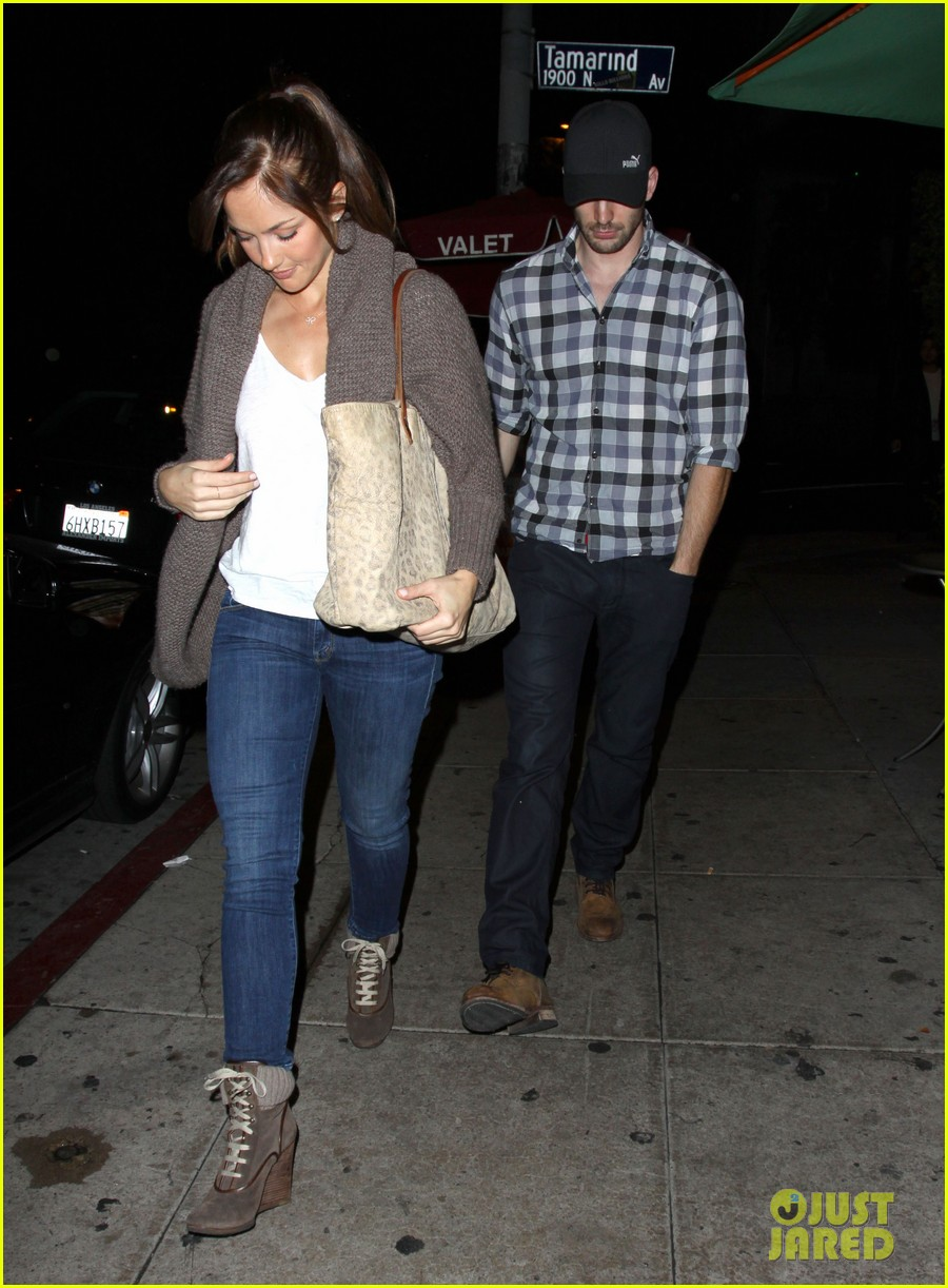 minka kelly chris evans sushi stop dinner date 07