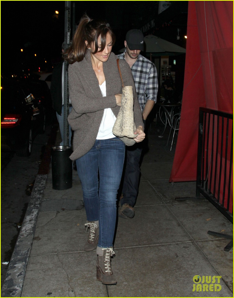 minka kelly chris evans sushi stop dinner date 08