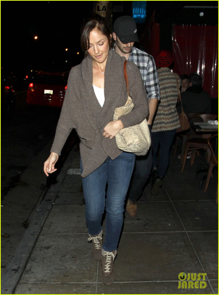 minka kelly chris evans sushi stop dinner date 092754179
