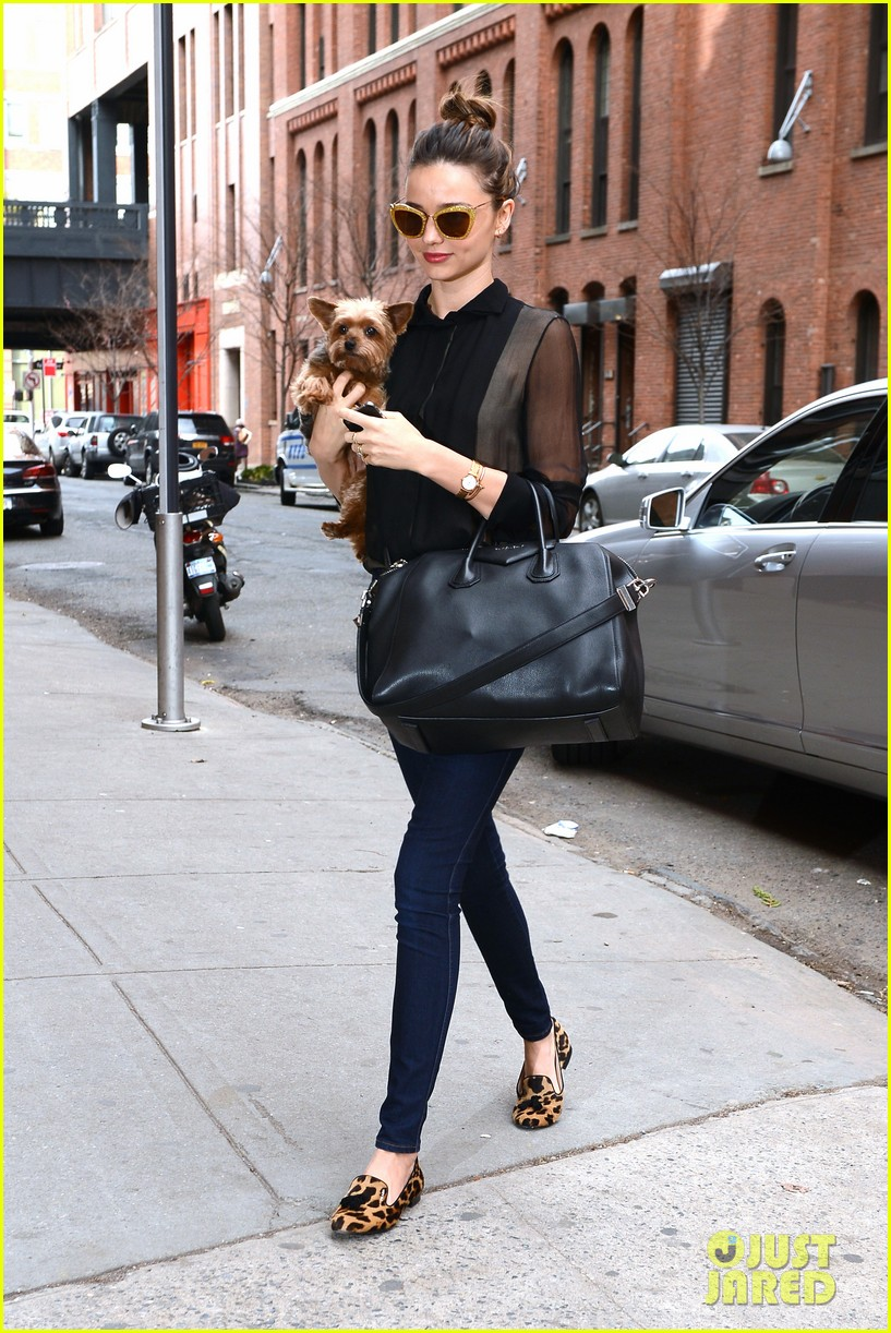 miranda kerr sunday morning with frankie 14