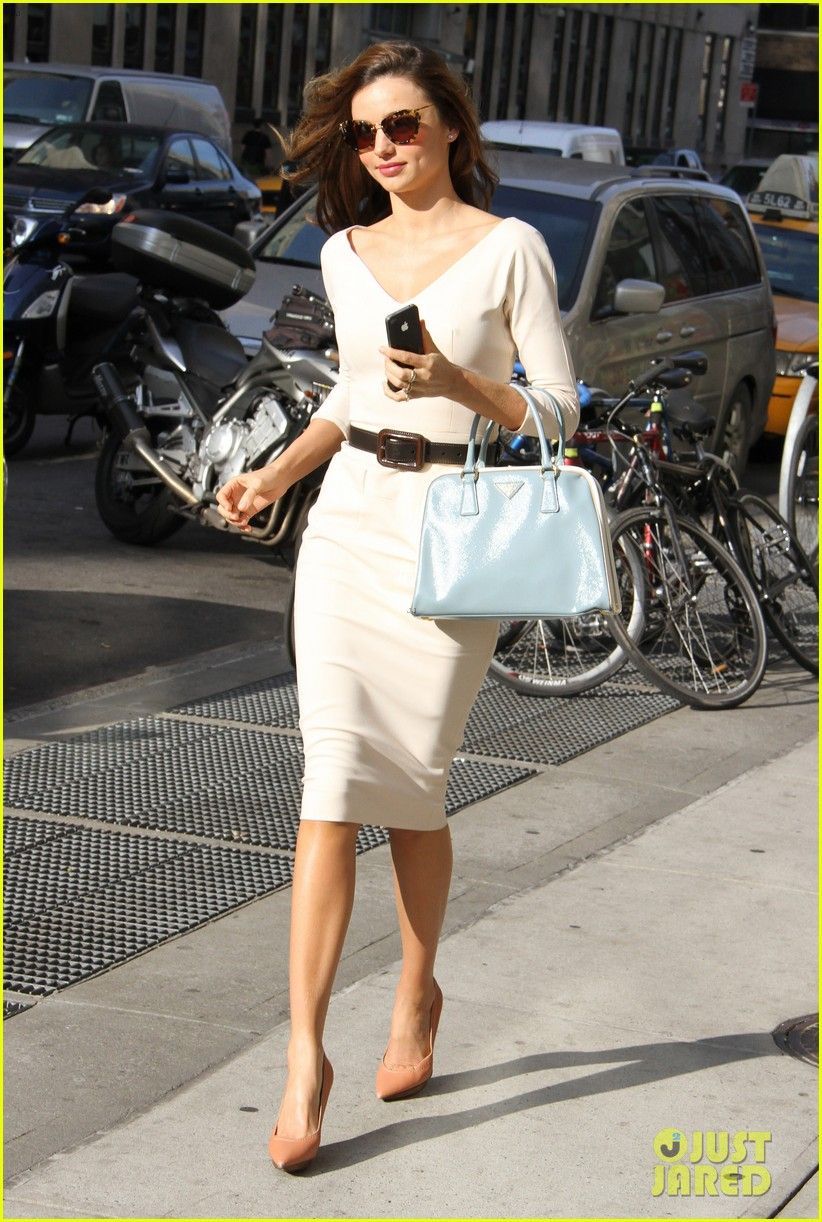 miranda kerr vogue office visit 012756033