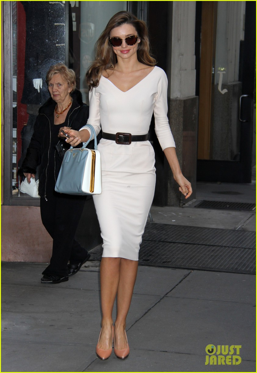 miranda kerr vogue office visit 02