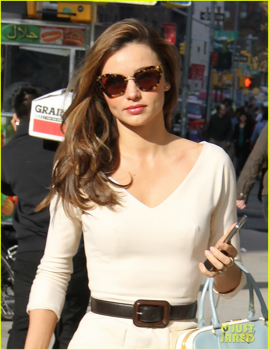miranda kerr vogue office visit 03