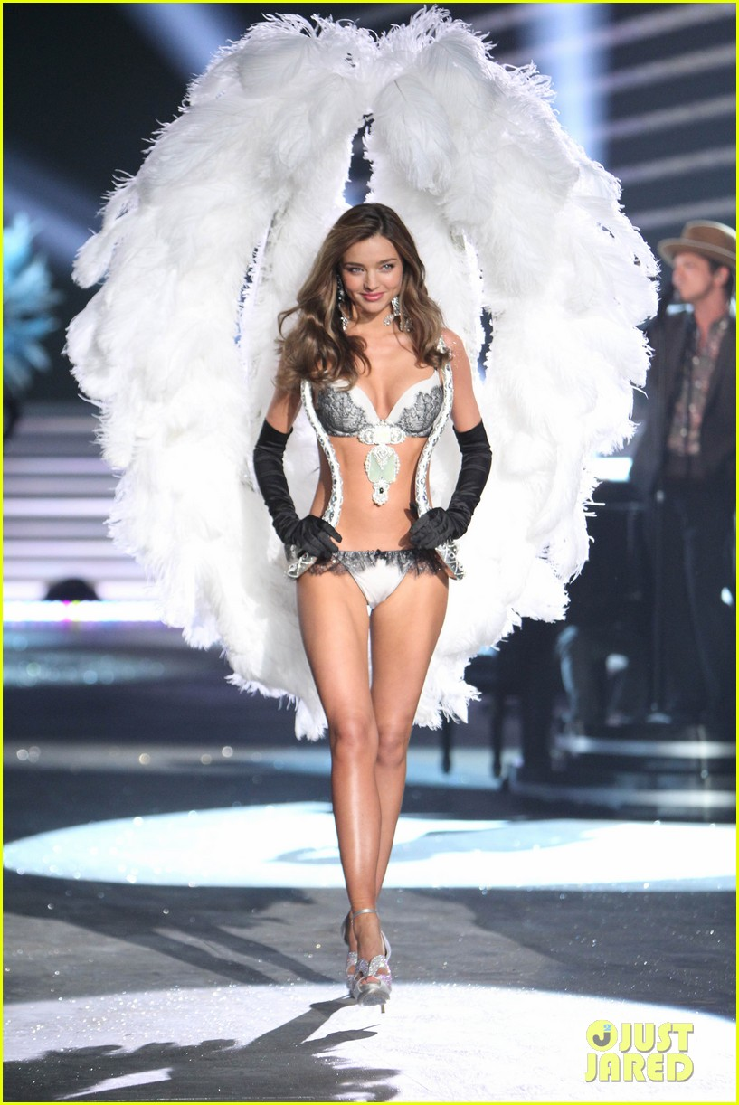 miranda kerr victorias secret fashion show 2012 012752989
