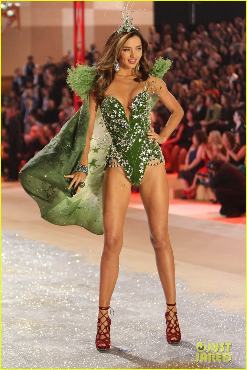 f203c7f818e Miranda Kerr - Victoria s Secret Fashion Show 2012  Photo 2752992 ...