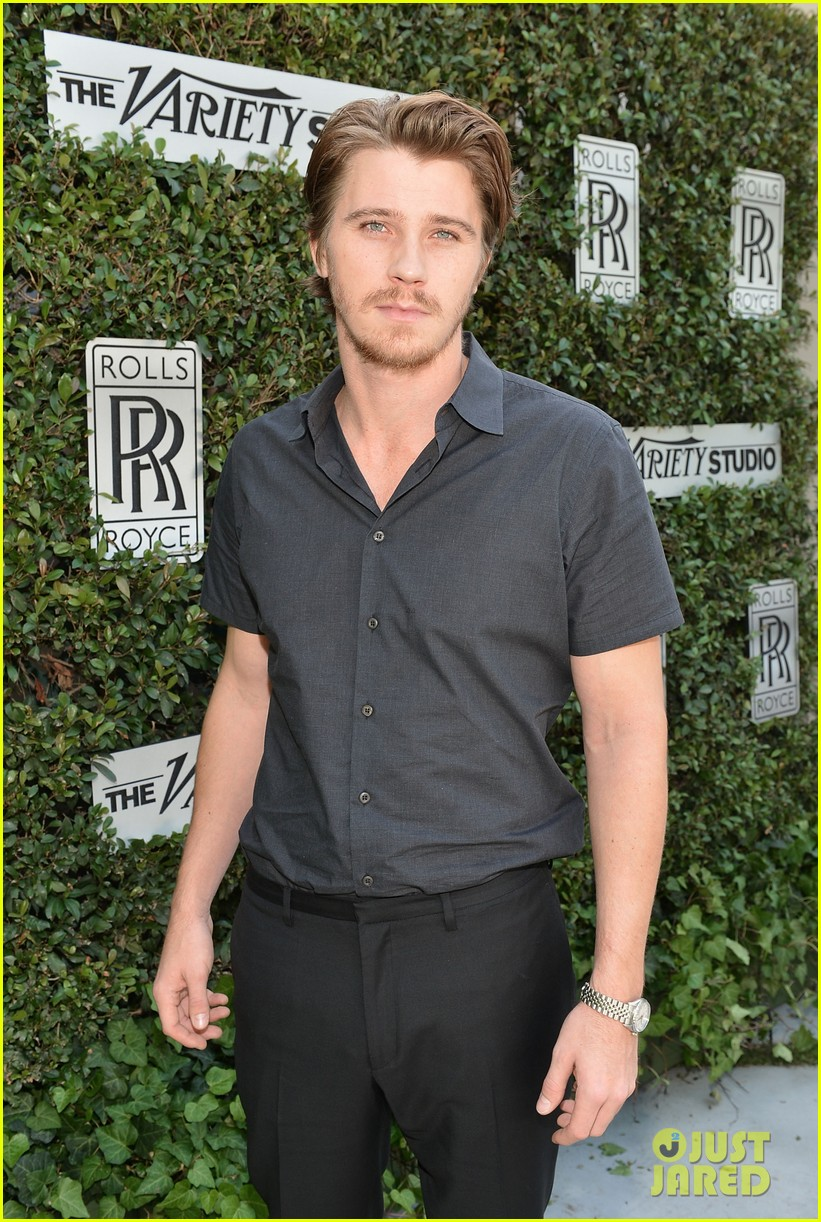 kerry washington garrett hedlund variety studio 072765838
