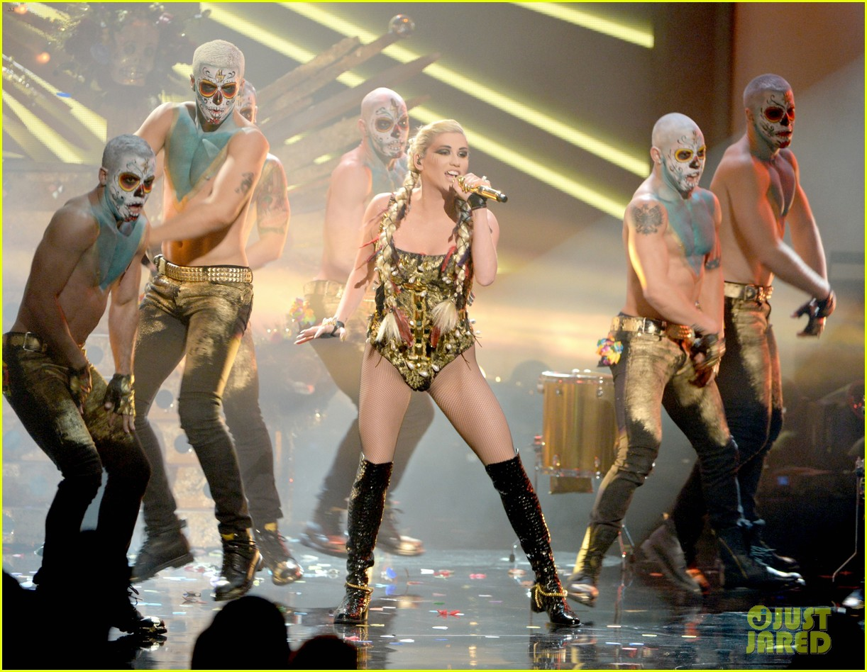 kesha amas performance 042760340