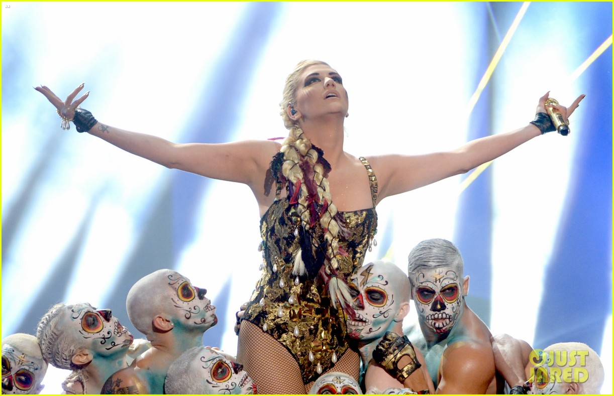 kesha amas performance 10