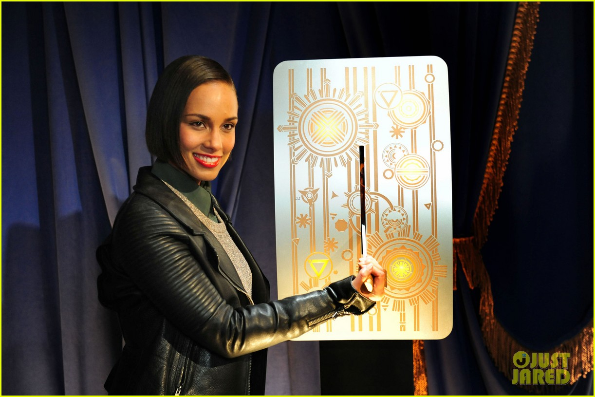 alicia keys lights the empire state building 05