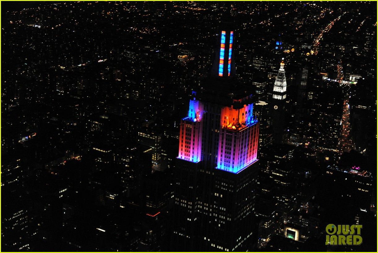 alicia keys lights the empire state building 062764495