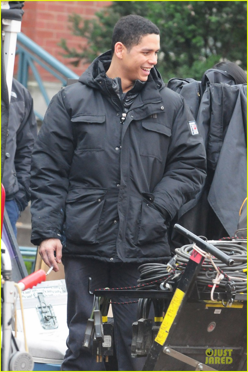 taylor kinney jesse spencer chicago fire set 06