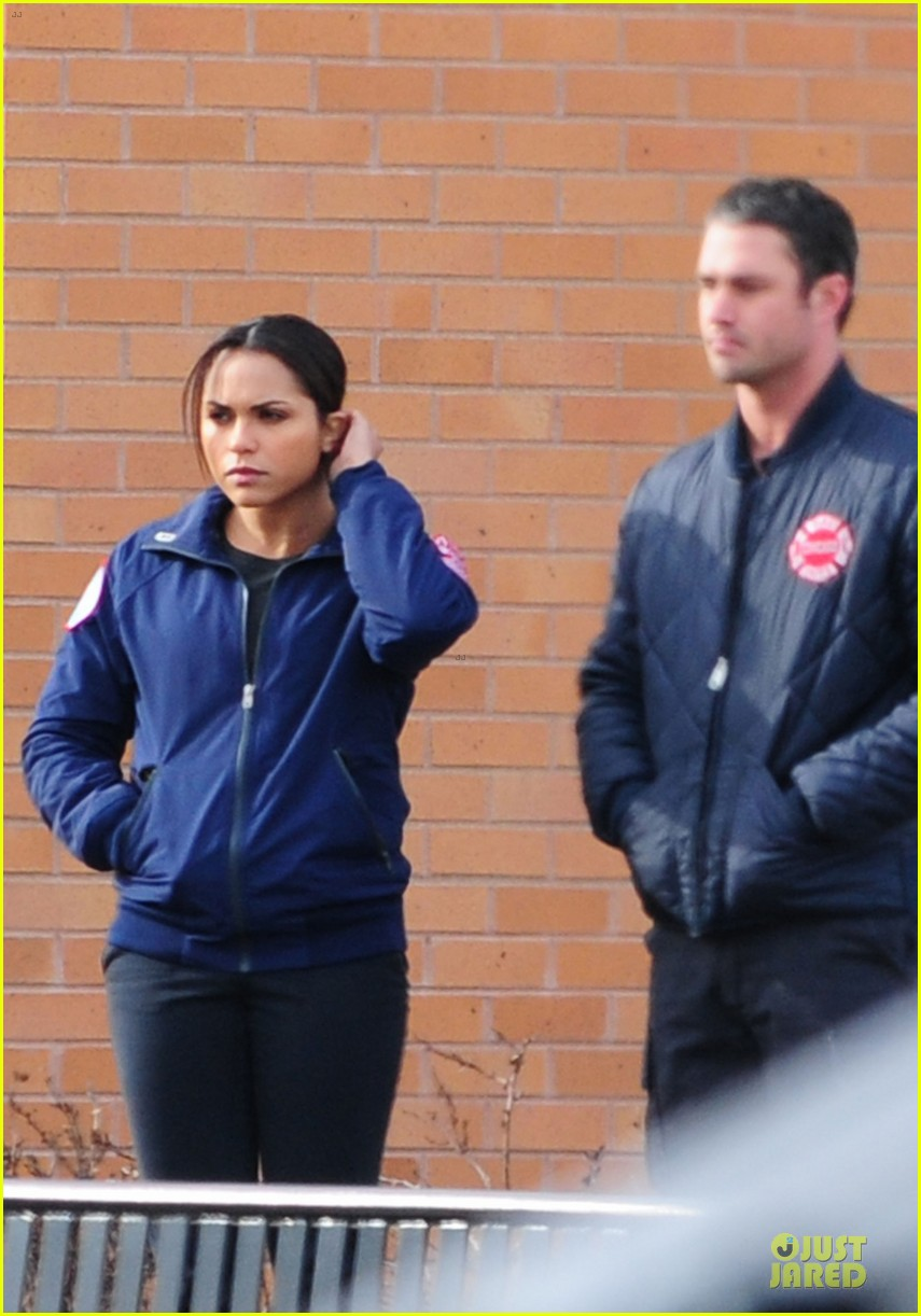 taylor kinney jesse spencer chicago fire set 092765039