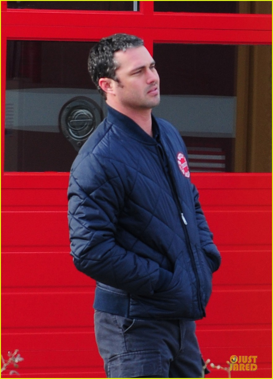 taylor kinney jesse spencer chicago fire set 112765041