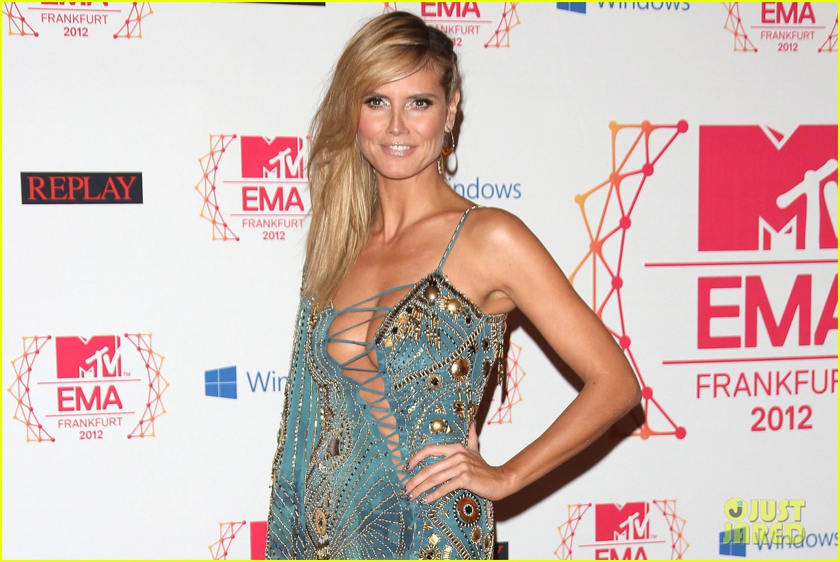 heidi klum mtv emas 2012 red carpet 012755342