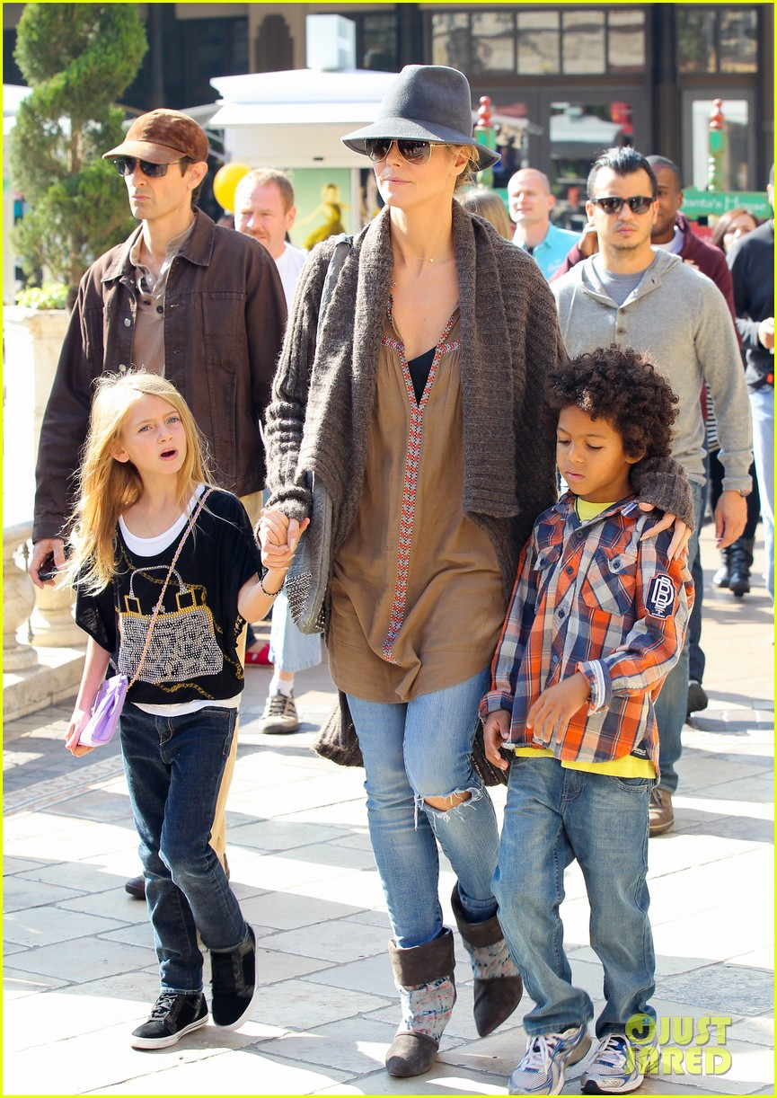 heidi klum holiday shopping at the grove 012762863