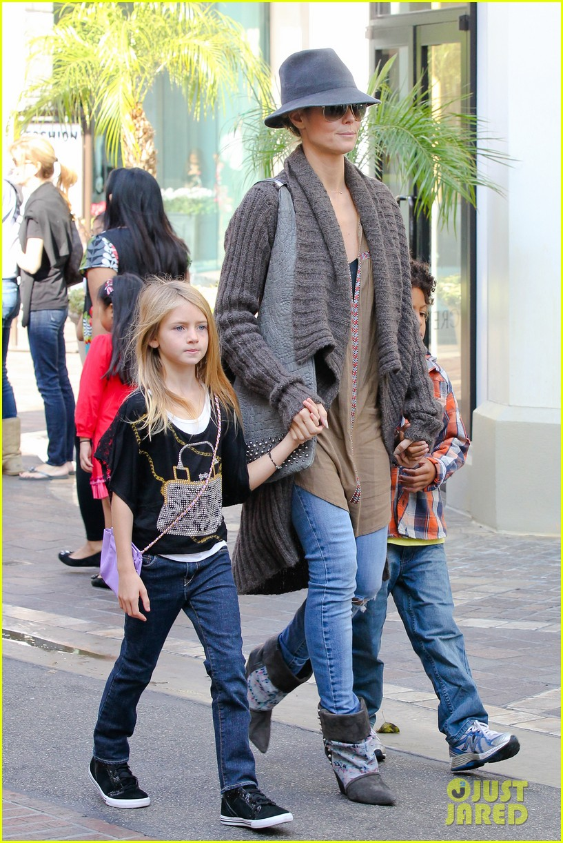 heidi klum holiday shopping at the grove 042762866