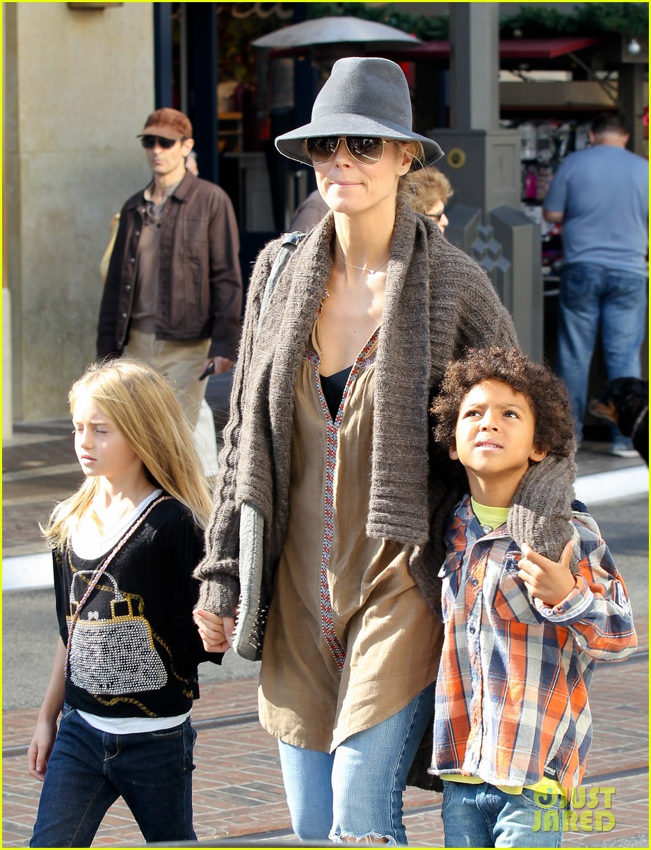 heidi klum holiday shopping at the grove 082762870
