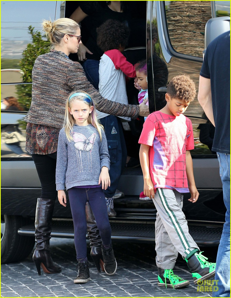 heidi klum lunch stop with the kids 182764004