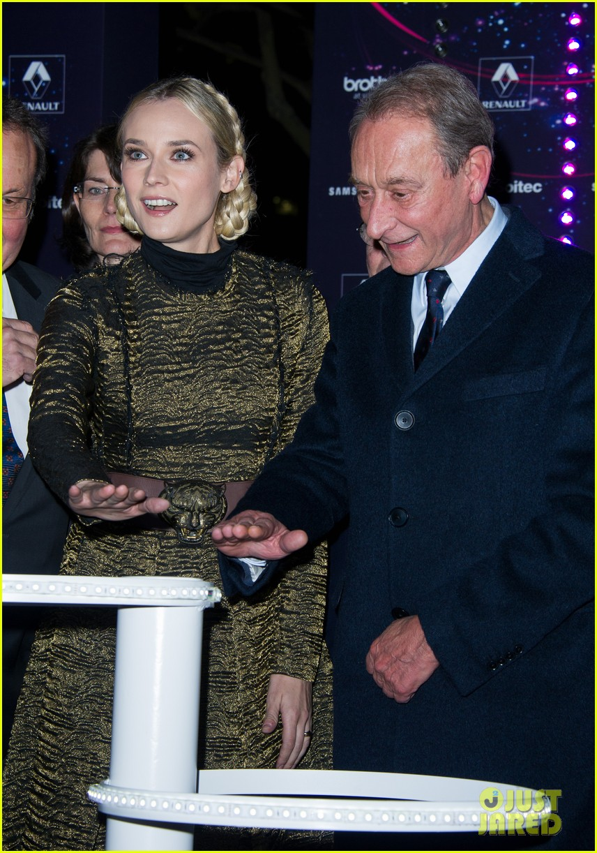 diane kruger champs elysees christmas lights launch 032762141