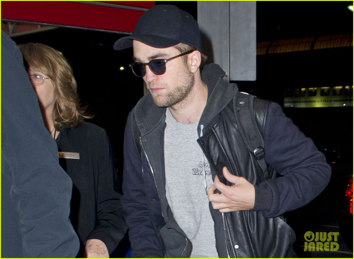 kristen stewart robert pattinston jet out of jfk 042764241