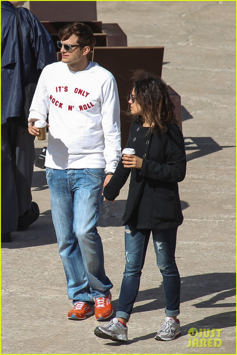 mila kunis ashton kutcher bondi to bronte beach walk 072749761