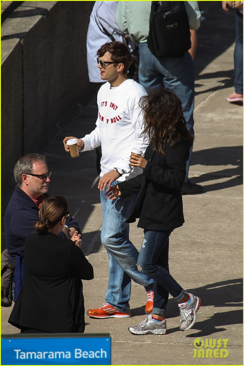 mila kunis ashton kutcher bondi to bronte beach walk 08