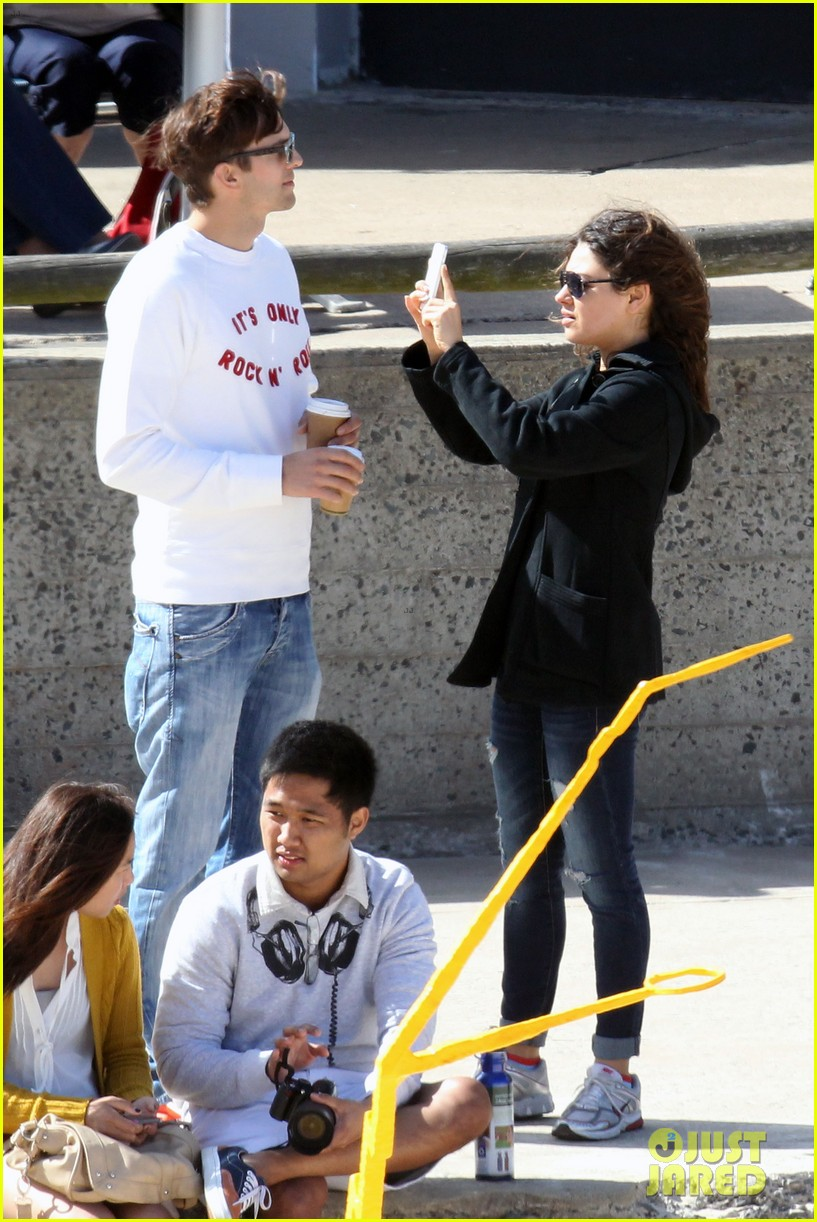 mila kunis ashton kutcher bondi to bronte beach walk 192749773